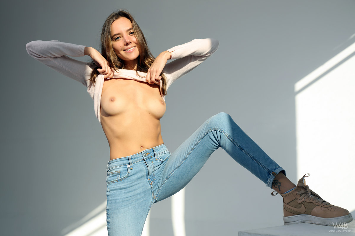 Jeans mature pics, nude women gallery