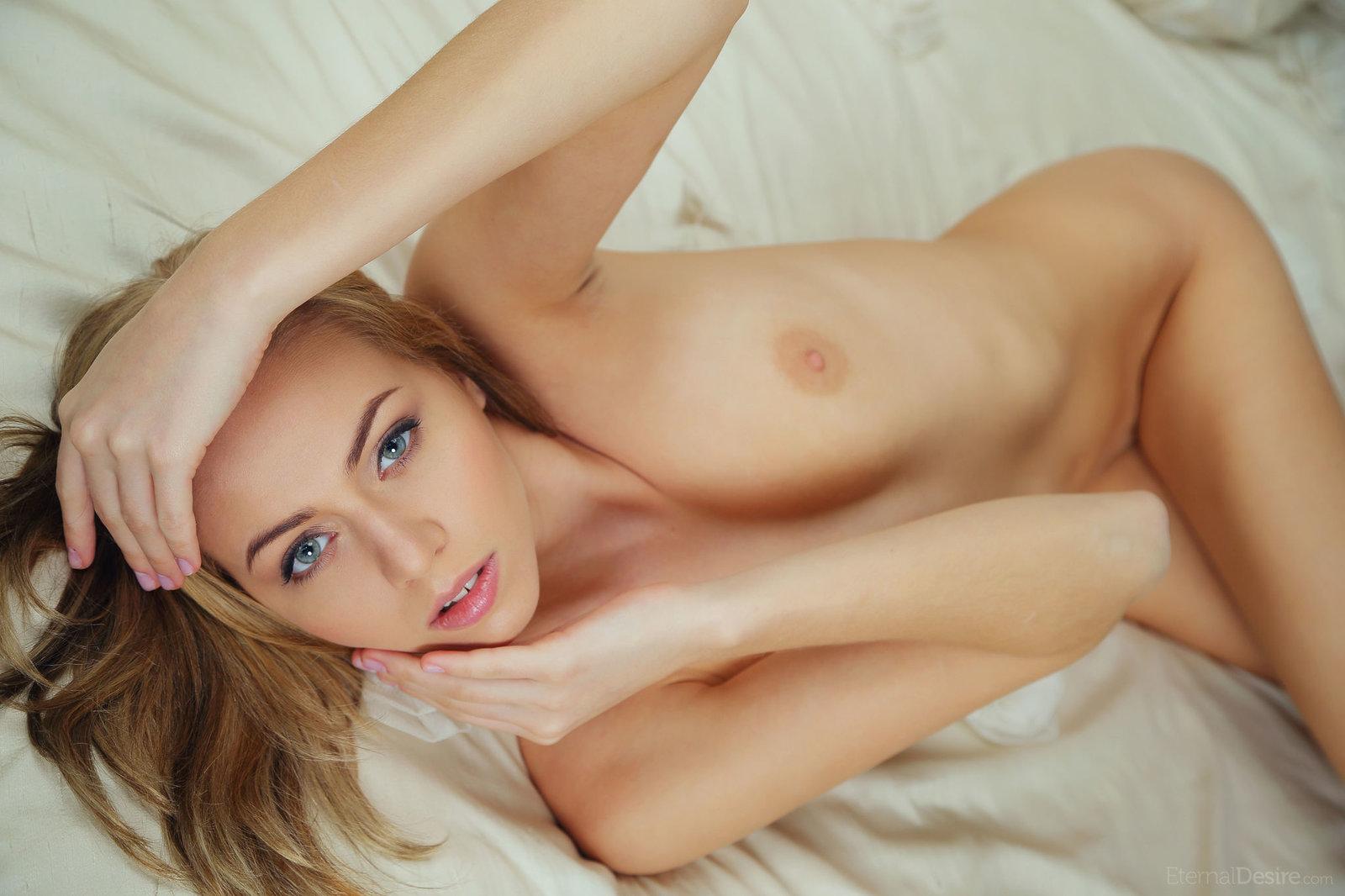 Blue Eyed Blonde Pics